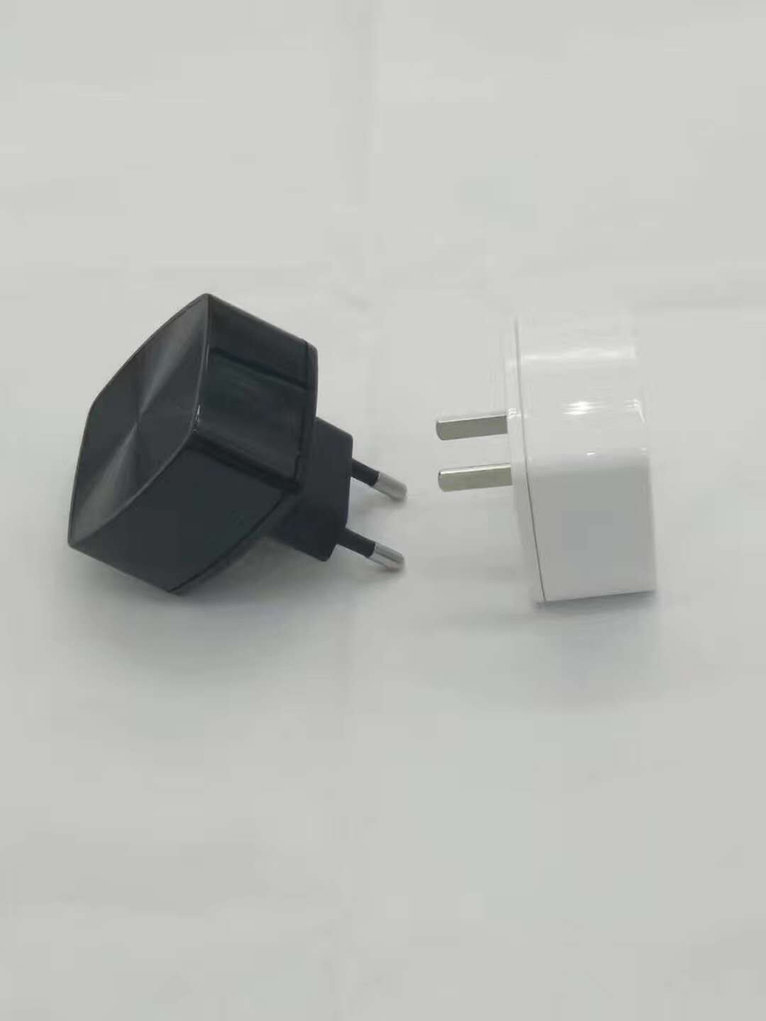 ST1110 Travel charger